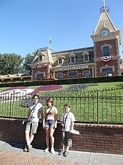 De ingang van Disneyland